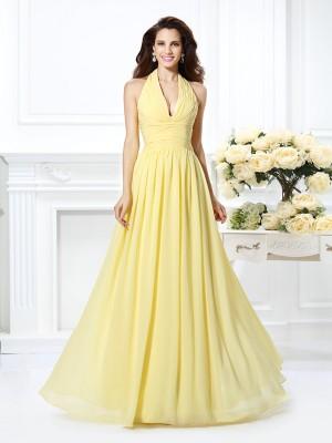 A-lijn/Prinses Halter Vouwen Mouwloos Lang Chiffon Bruidsmeisjes Jurken