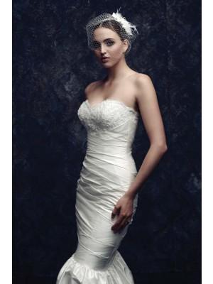 Beautiful Netto Feather Wedding Veils