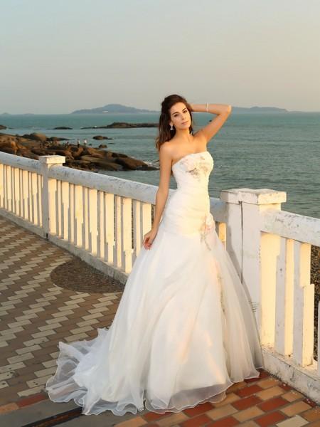 Baljurk Strapless Handgemaakte Bloem Mouwloos Lang Satijn Beach Bruidsjurken