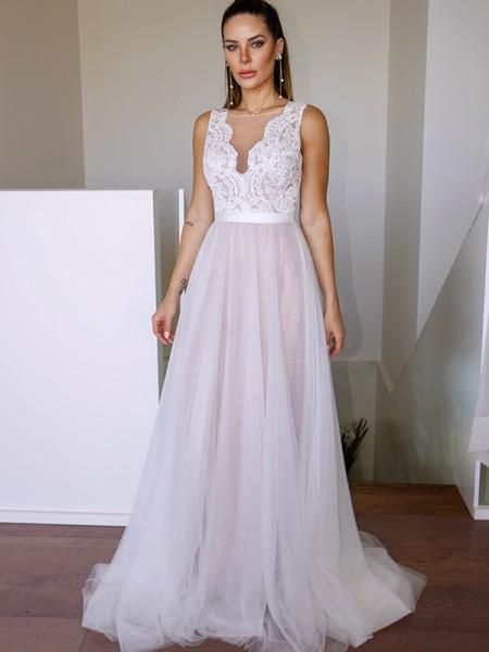 A-lijn/Prinses Tule Kant Decolleté Mouwless Strijksleep Bruidsjurken