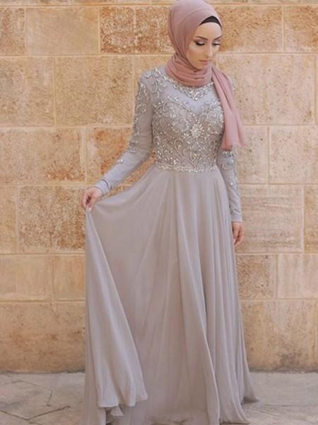 A-lijn/Prinses Lange Mouwen Decolleté Strijksleep Kristal Tule Muslim Jurken