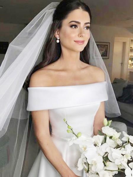 A-lijn/Prinses Schoudervrij Mouwloos Strijksleep Ruches Satijn Bruidsjurken