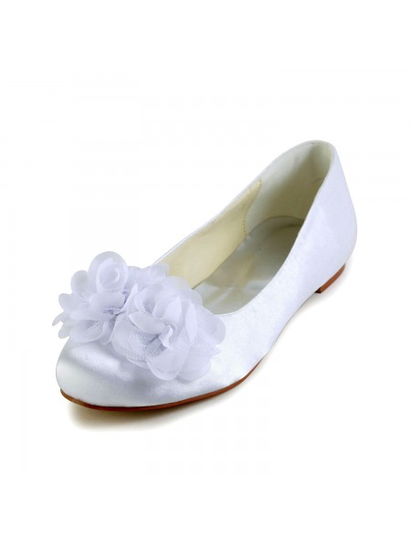 Women's Satijn Flat Heel Closed Toe Flats White Wedding Shoes With Satijn Flower