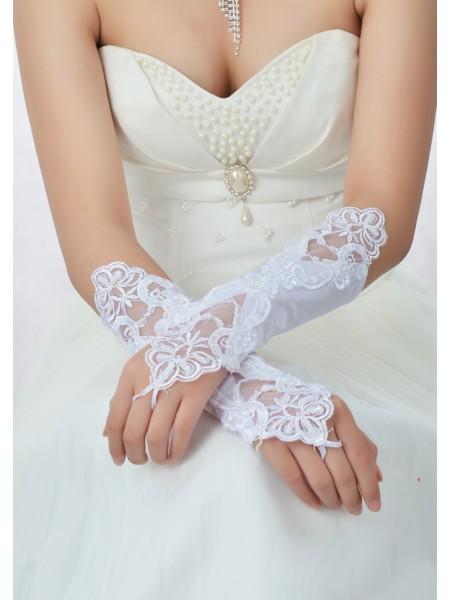 Stunning Kralenwerk Kant Satijn Wedding Gloves