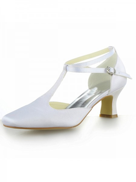 Women's White Satijn Closed Toe Chunky Heel With Buckle High Heels