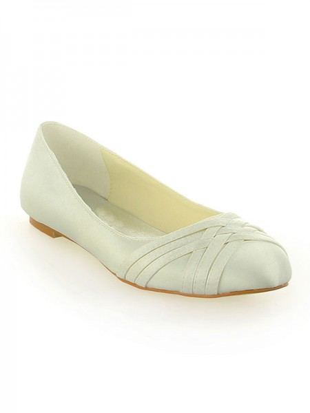 Women's Satijn Closed Toe Flat Heel Ivory Wedding Shoes