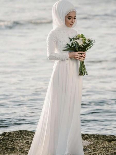A-lijn/Prinses Ronde Hals Lange Mouwen Tot de Grond Appliqué Chiffon Bruidsjurken
